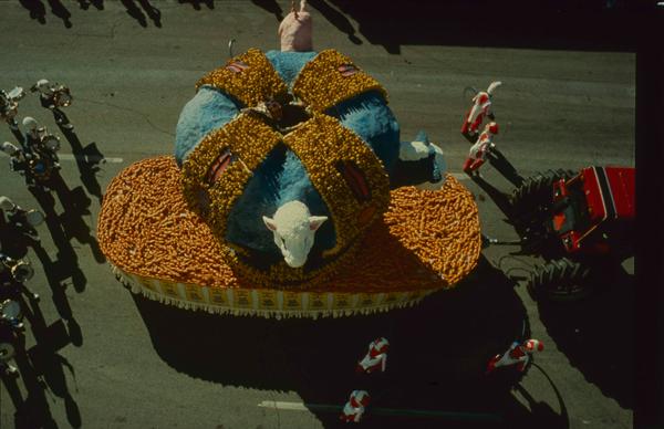 WHEAT & STEAK - Carroza-Corona con los panes y el maíz
